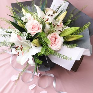 lilies, roses, bouquet, classic, gift, florist, ballina, mayo